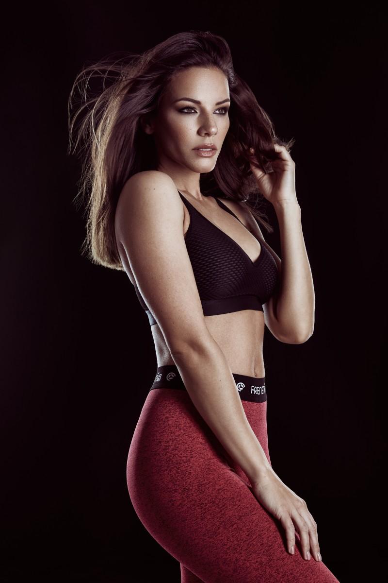 fitness meztelen modellek